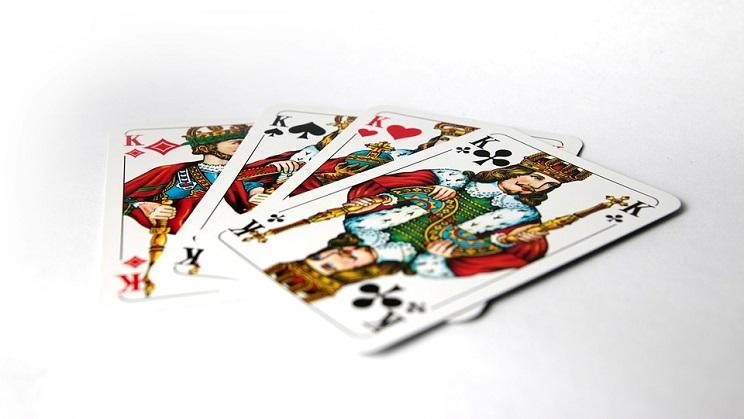 Tiga Kartu Flop Yang Berbahaya Dalam Permainan Poker